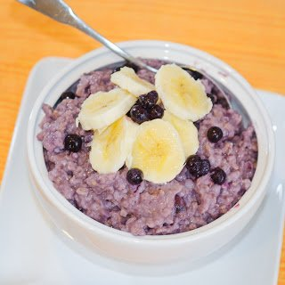 Pressure Cooked Steel Cut Oats with Mixed Berries