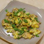 Crispy Smashed Baby Potatoes with Garlic and Rosemary Oil